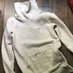 Fabletics Zaylee Pullover - Oatmeal XS/4 NWOT